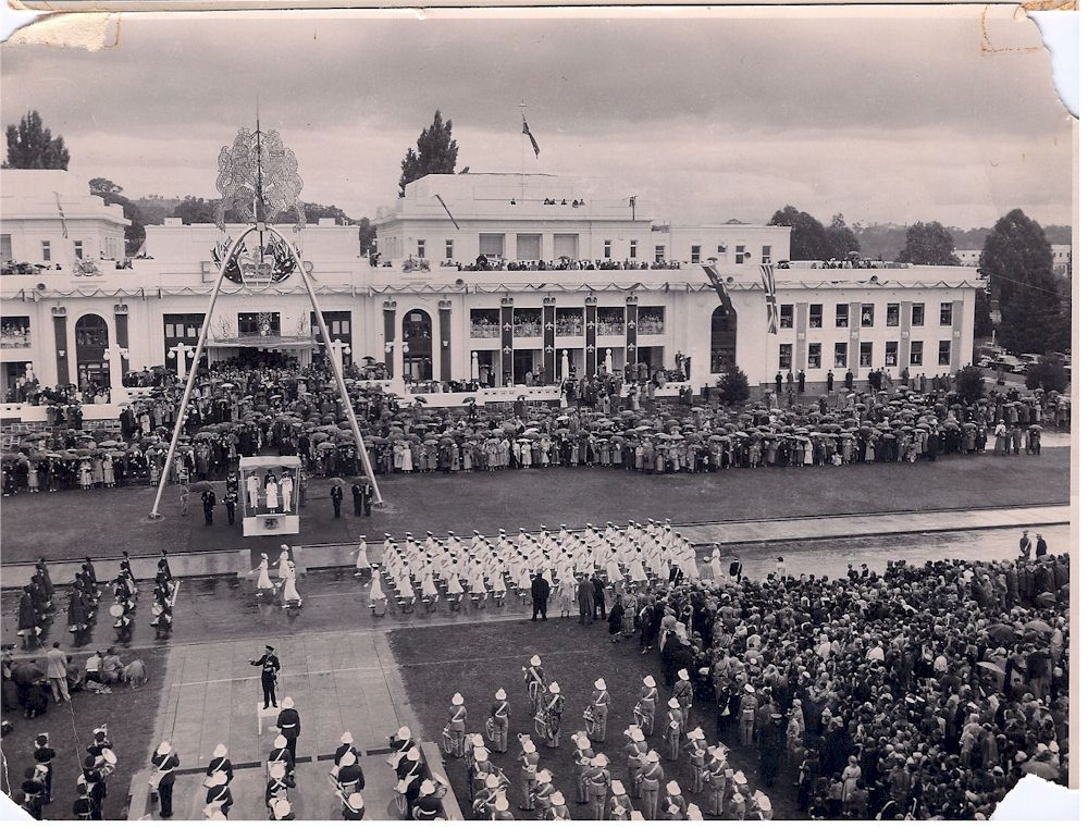 WRANS Marching 1953 Canberra2